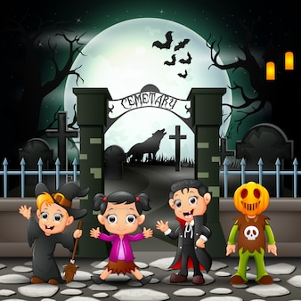 Glückliche kinder der karikatur mit halloween-kostüm