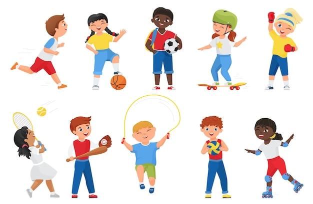 Glückliche kinder machen sportübungen. cartoon sportliche jungen mädchen kind charaktere laufen marathon, rollschuh oder skateboard, springseil, spielen fußball tennis baseball-spiele gesetzt