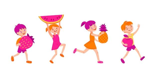 Glückliche kinder tragen verschiedene früchte und beeren.
