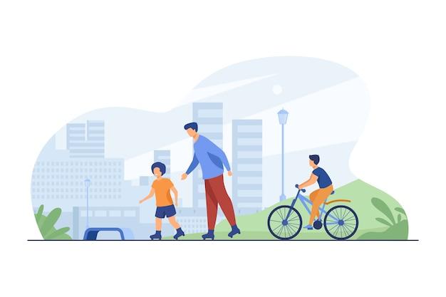 Glückliche kinder und mann rollen und radfahren. rollschuhe, fahrrad, stadt flache vektorillustration. urban lifestyle und wochenende
