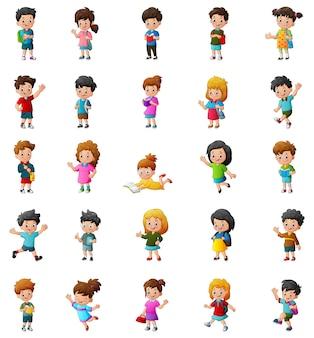 Glückliche kinderkarikatursammlung an verschiedenen positionen