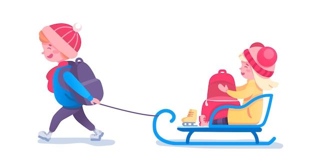 Glückliche kinderrodelillustration. kleine kinder mit schlittenzeichentrickfiguren. erholungskonzept der kalten jahreszeit. freunde, die zusammen spaß haben. winter freizeit und spaß idee