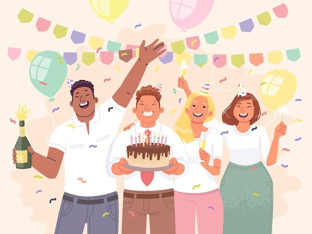 Glückliche kollegen feiern geburtstag im büro geschäftsleute und frauen haben spaß auf der party