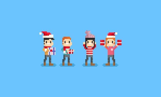 Glückliche leute des pixels, die geschenkbox halten.
