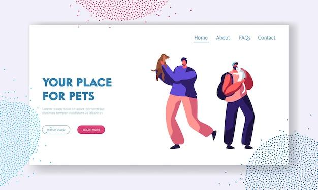 Glückliche männer, die freizeit und spaß mit hunden haben, spielen mit welpen. verbringen sie zeit mit haustieren, pflege, lebensstil, landingpage der freizeitwebsite, webseite. karikatur-flache vektor-illustration
