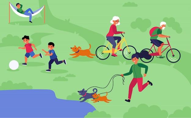 Glückliche menschen, die outdoor-aktivitäten genießen
