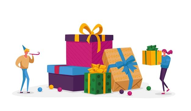 Glückliche menschen tragen geschenkboxen mit festlichem bogen umwickelt