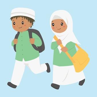 Glückliche muslimische afroamerikanische studenten, die zur schule laufen