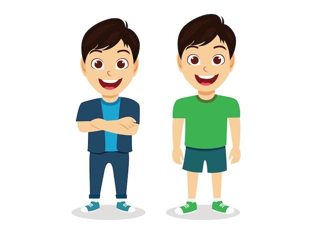 Glückliche niedliche kinderjungen, die zusammen im weißen hintergrund lächeln