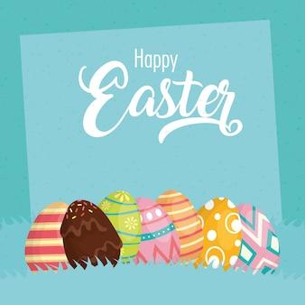Glückliche osterfeierkarte mit beschriftung und gemalten eiern