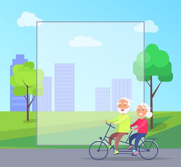 Glückliche reife paare, die zusammen auf fahrrad mit rahmen copyspace hintergrund fahren