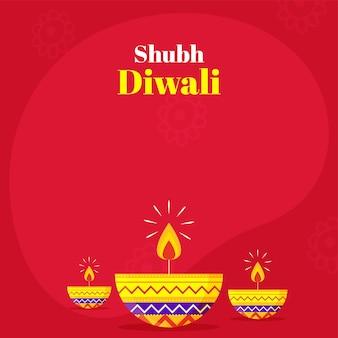 Glückliche (shubh) diwali-wunschkarte mit beleuchteter öllampe (diya) auf rotem hintergrund.