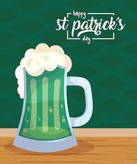 Glückliche st patricks tageskarte mit biergetränk