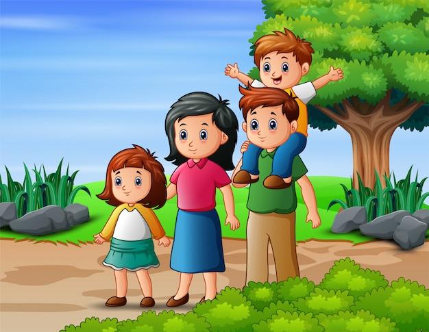 Glücklicher familienmitgliedurlaub im park