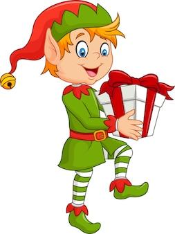 Glücklicher grüner elfenjunge, der geschenke hält