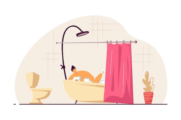 Glücklicher junger mann, der bad nimmt. männliche zeichentrickfigur, die körper in schaumiger badewanne mit flacher vektorillustration des vorhangs wäscht. persönliches hygienekonzept für banner, website-design oder landing-webseite