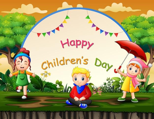 Glücklicher kindertaghintergrund mit glücklichen kindern