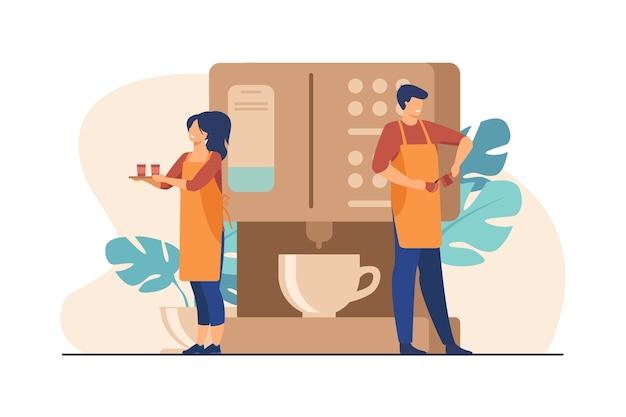 Glücklicher kleiner barista, der kaffee an der riesigen maschine kocht. kellnerin hält tablett mit pappbechern flache illustration.
