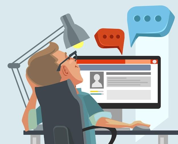 Glücklicher lächelnder benutzermanncharakter kommuniziert auf internet, flache karikaturillustration