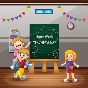 Glücklicher lehrertagstext mit kindern im klassenzimmer