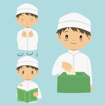 Glücklicher moslemischer junge, der quran liest, sadaqah oder wohltätigkeit betet und gibt