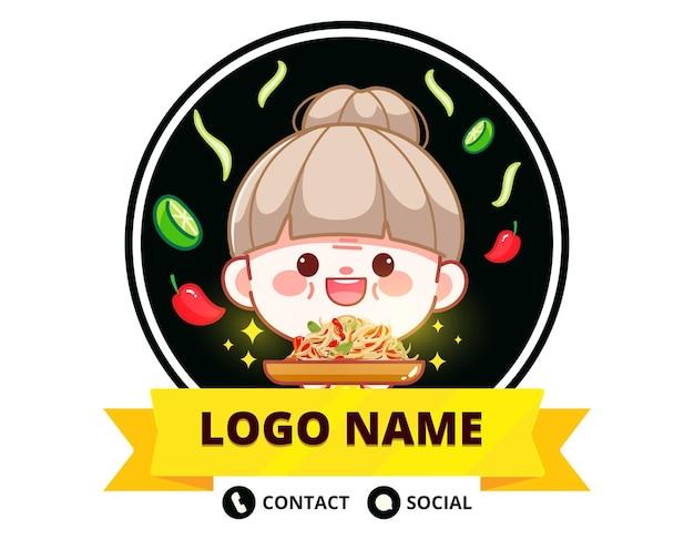Glücklicher süßer koch, der papaya-salat-banner-logo-cartoon-kunstillustration hält