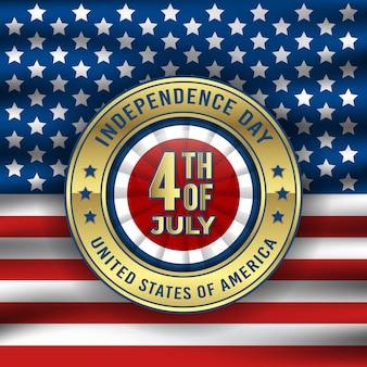 Glücklicher unabhängigkeitstag mit goldenem abzeichen und schwarzem hintergrund der kreisförmigen flagge