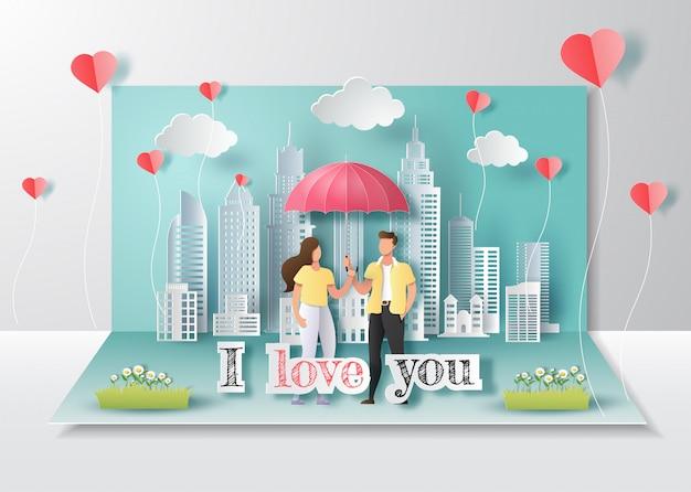 Glücklicher valentinstag, knallen oben karte, nettes paar in der liebe, die regenschirm mit stadt hält.