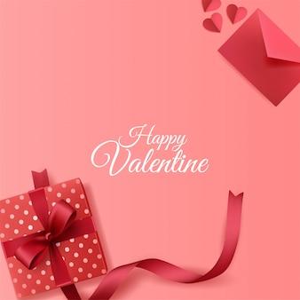 Glücklicher valentinstaghintergrund mit umschlag- und geschenkboxdekorationen auf rosa hintergrund