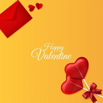 Glücklicher valentinstaghintergrund mit umschlag und liebesherz formen süßigkeitsdekorationen auf gelbem hintergrund