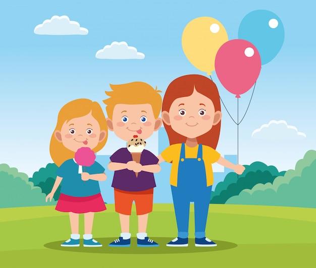 Glückliches kindertagesdesign mit glücklichen kindern der karikatur und bunten ballonen