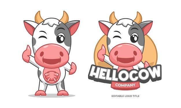 Glückliches kuh-tier mit daumen hoch logo flache karikatur maskottchen