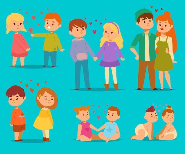 Glückliches lächelndes kinder reizendes paar mit herzen verlieben sich in comicfiguren zusammengehörigkeitspaar