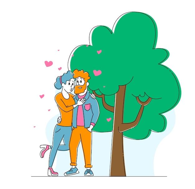 Glückliches liebendes paar, das draußen küsst