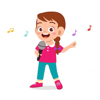 Glückliches nettes kindermädchen singen ein lied