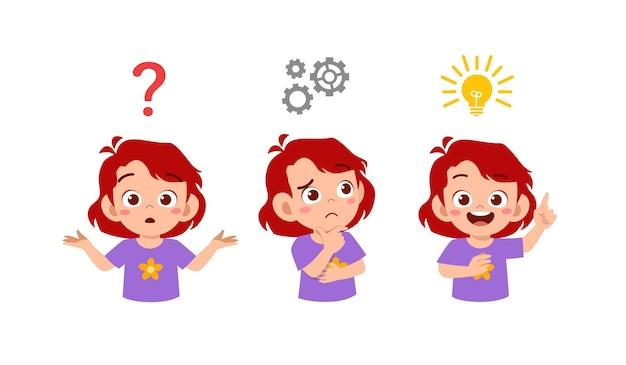 Glückliches niedliches kleines kindermädchen, das ideenprozess denkt und sucht