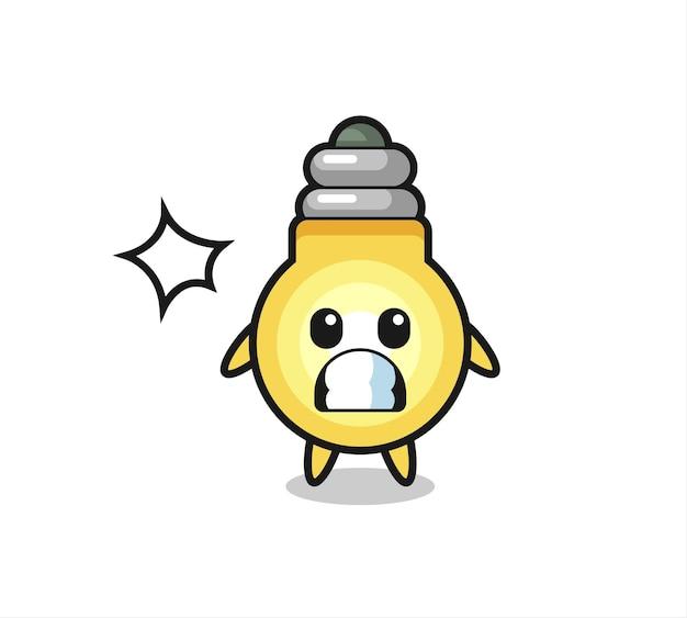 Glühbirnen-charakterkarikatur mit schockierter geste, süßem stildesign für t-shirt, aufkleber, logo-element