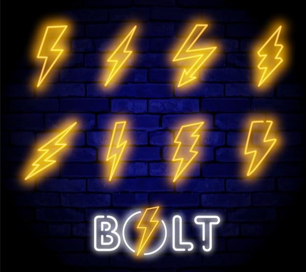 Glühendes elektrisches blitzzeichen, blitzstrom-stromikonen.