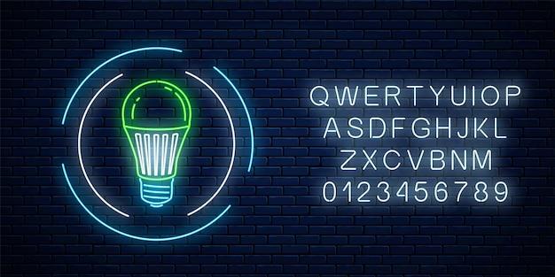 Glühendes neonzeichen der grünen led-glühbirne im kreisrahmen mit alphabet auf dunklem backsteinmauerhintergrund. symbol für öko-energiekonzept. vektor-illustration.