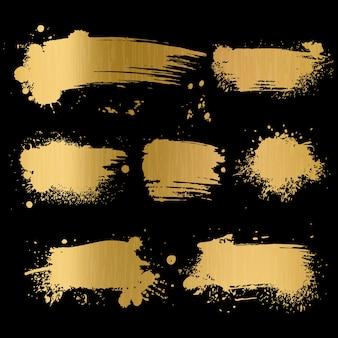 Gold grunge hintergrund. schwarze textur auf goldenem folienpapier für das trendige alte pinselkunstkonzept der luxus-glamour-premiumkarte
