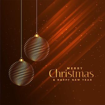 Goldene bälle der frohen weihnachten auf glänzendem braunem hintergrund