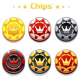 Goldene, schwarze und rote pokerchips