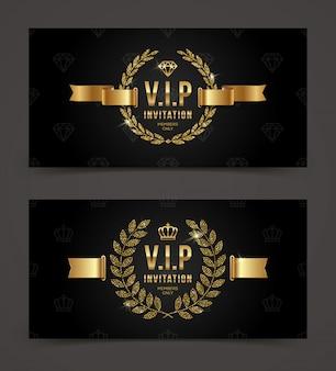 Goldene vip-einladungsschablone - typ mit krone, lorbeerkranz und band auf einem schwarzen musterhintergrund. illustration.