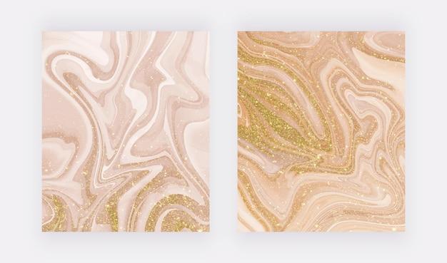 Goldener flüssiger marmor mit glitzertextur