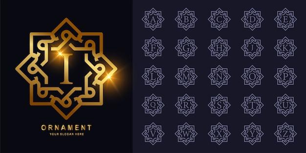 Goldenes logo des ursprünglichen alphabets der luxusverzierung oder des blumenrahmens.
