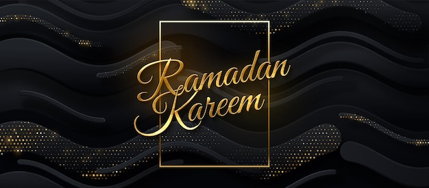 Goldenes schild des ramadan kareem auf schwarzem papierschnitthintergrund mit glitzern