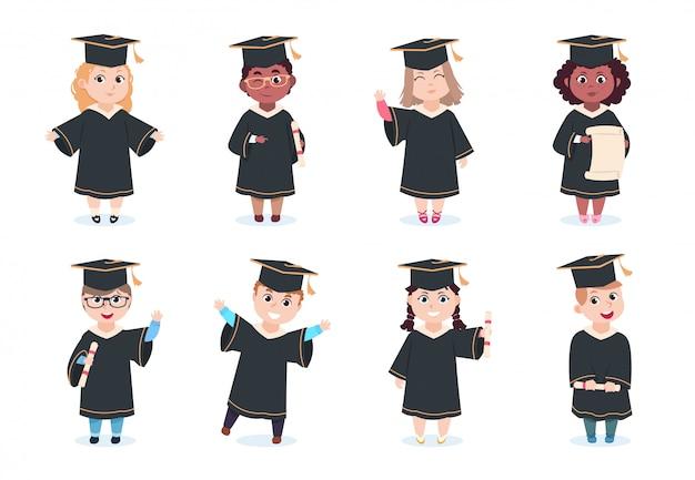 Graduiertenkinder. kindergarten vorschule abschluss kinder in abschlusskappe mit diplom zeichentrickfiguren