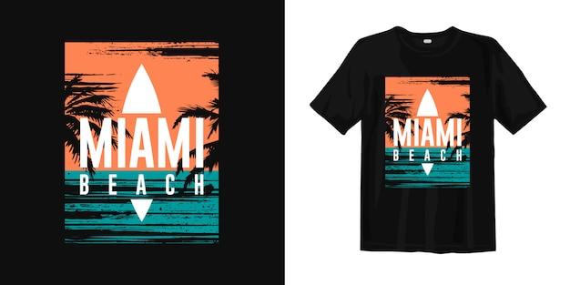 Grafisches t-shirt miami beach mit sonnenuntergang und palmenschattenbild