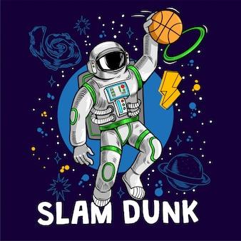 Gravierende astronauten spielen basketball und lassen slam dunk zwischen sternen planeten galaxien.