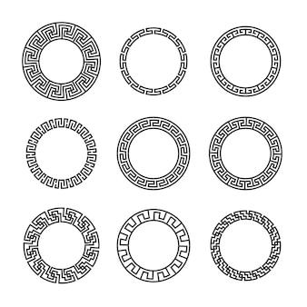 Griechische runde rahmen. alte kreisförmige mediterrane schwarze rahmenränder mit hellenischem muster. geometrischer ornamentaler mandala-tattoo-design-vektor-set